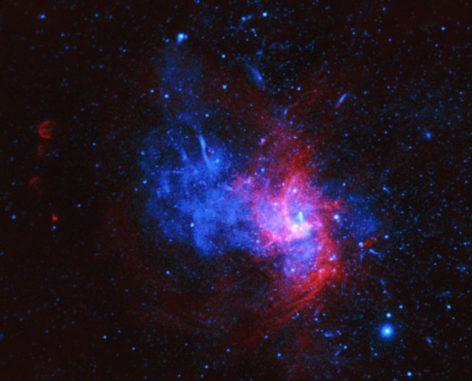 Der Supernova-Überrest Sagittarius A East. (Credits: X-ray: NASA / CXC / Nanjing Univ. / P. Zhou et al. Radio: NSF / NRAO / VLA)