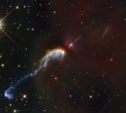 Hubble-Aufnahme der Herbig-Haro-Objekte HH46 und HH47. (Credit: ESA / Hubble & NASA, B. Nisini)