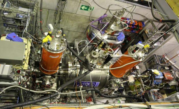 Das BASE-Experiment von oben betrachtet. (Credits: Image: CERN)