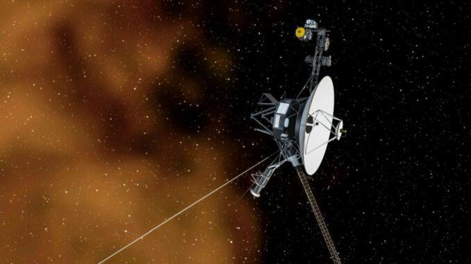 Künstlerische Darstellung der Raumsonde Voyager 1 im interstellaren Weltraum. (Credits: NASA / JPL)