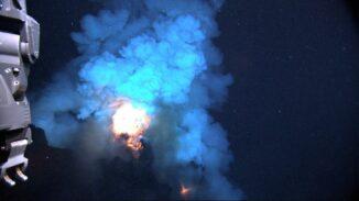 Eruption des Unterwasservulkans West Mata. (Credits: NOAA / National Science Foundation)