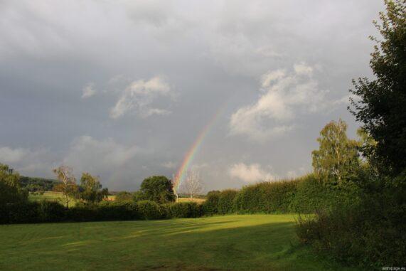 Wenn Sonne und Regen aufeinandertreffen... (Credits: astropage.eu)