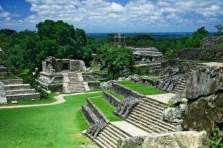 Die antike Maya-Stadt Palenque. (Credits: Wikipedia / User: Jan Harenburg / CC BY 4.0)